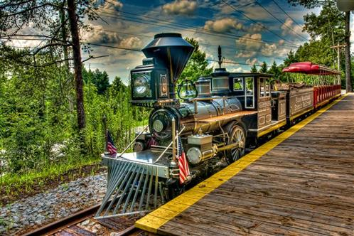Pine Mountain train